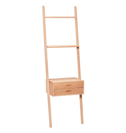 escalera con cajones de madera para decorar un dormitorio