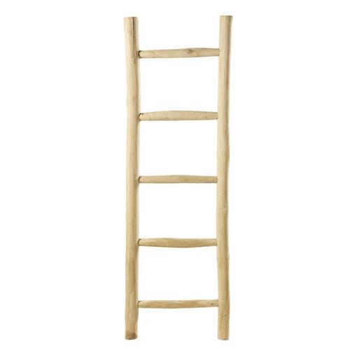 escalera de madera de teca