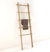 escalera estanteria de madera para el lavabo
