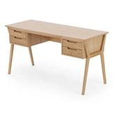escritorio nórdico con cajones de madera de roble