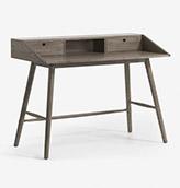 escritorio de madera oscura