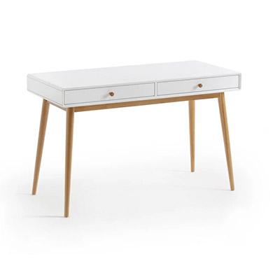 escritorio blanco con patas de madera