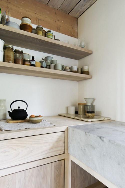 Estantes abiertos para cocinas pequeñas
