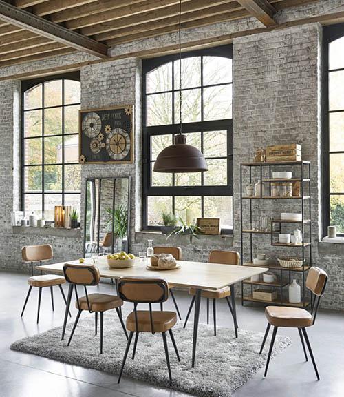 estanterías de madera y metal de estilo industrial