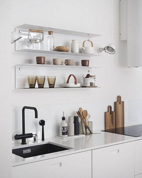 Estantes abiertos en las cocinas modernas