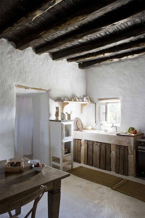 Una cocina rústica de estilo mediterráneo