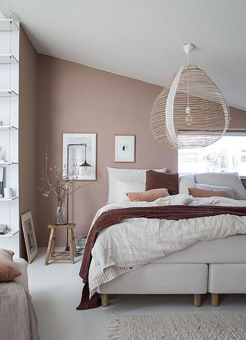 decoración de interiores con taburetes de madera