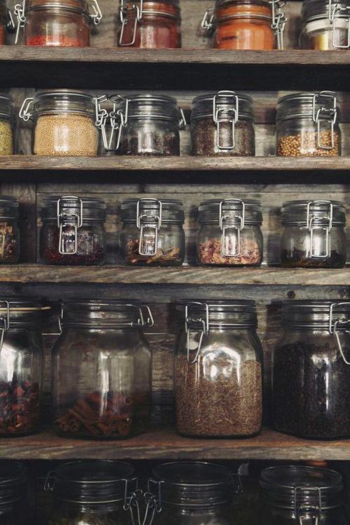frascos de vidrio y botes transparentes para la cocina