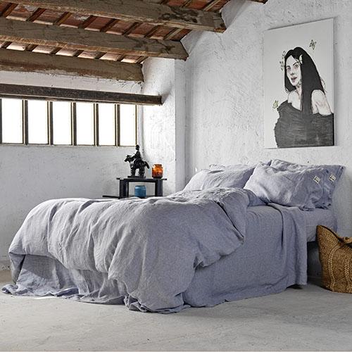 almohada y funda nórdica de lino lavado