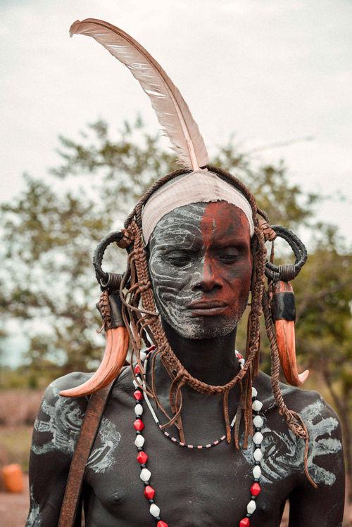 guerrero mursi de etiopía