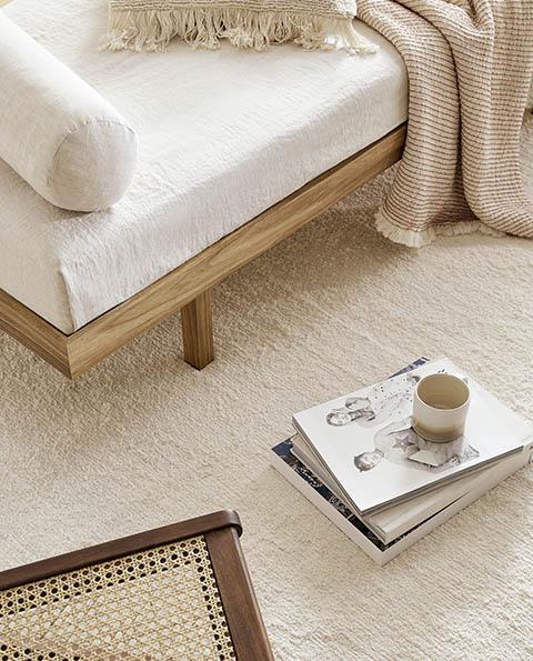 Suaves tonos tierra en la decoración de un dormitorio