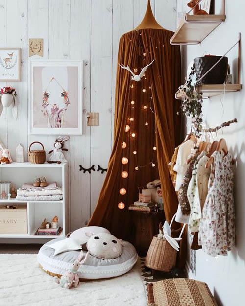 dormitorio infantil de niña en tonos tierra
