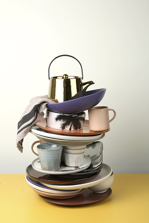 platos y tazas para decorar la cocina