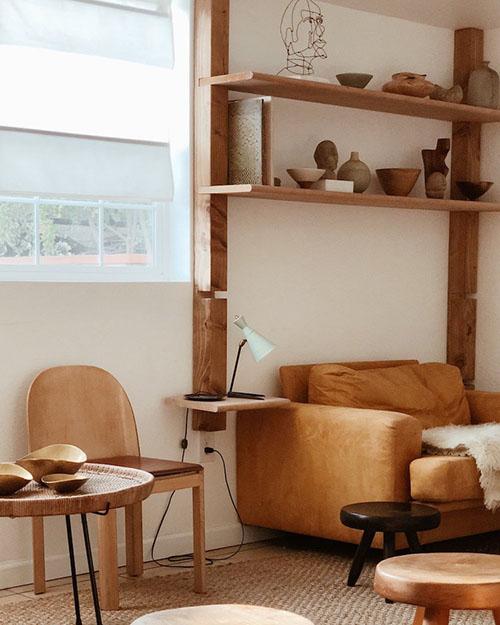 Muebles de cuero y madera
