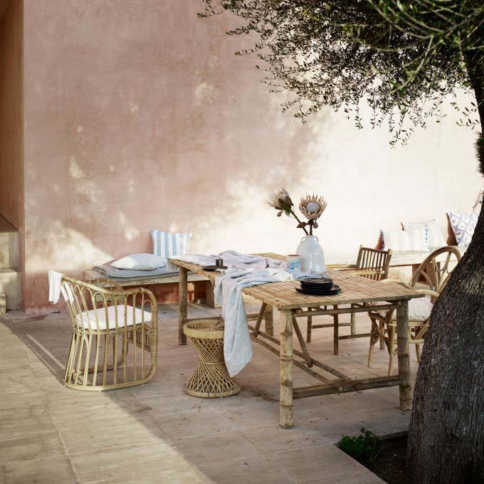 set de muebles de ratán para el jardín