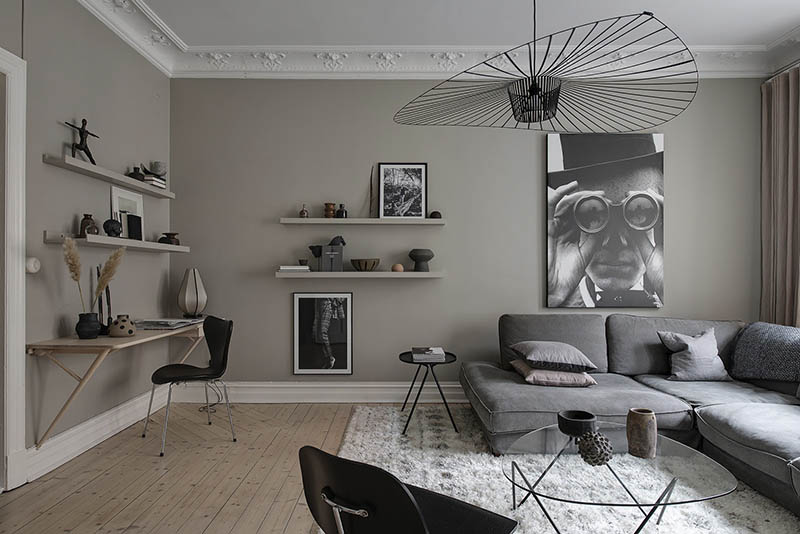 decoración de salones con tonos oscuros
