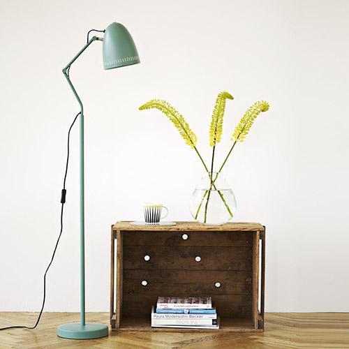 lámpara de color verde de diseño escandinavo