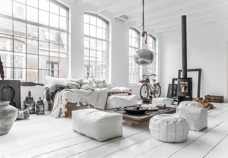 Salón decorado al estilo nórdico