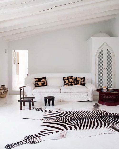 Una casa decorada con articulos africanos