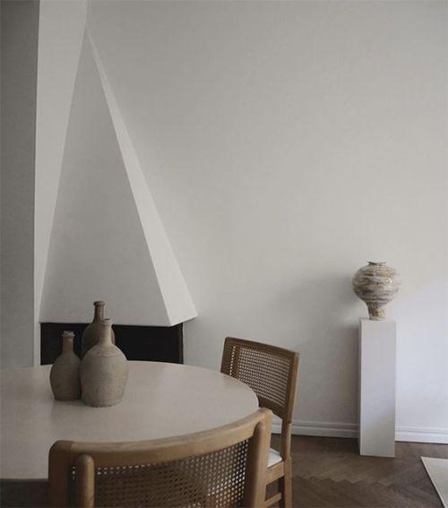 El rattan en las casas con un diseño minimalista