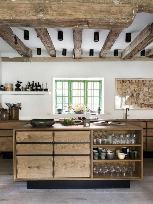 Muebles de madera en las cocinas de estilo rustico