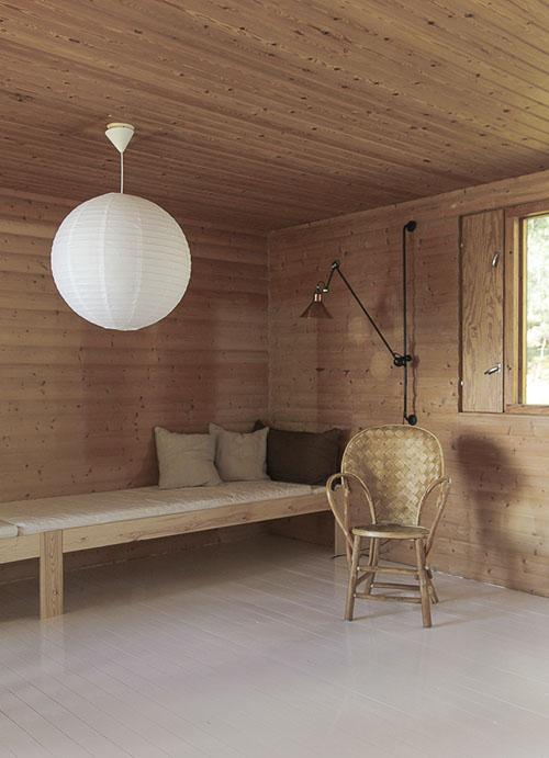 Lámparas de papel para decorar una cabaña de madera