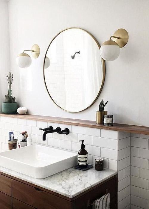 lámparas de pared en el baño