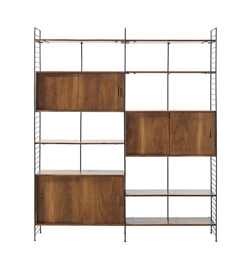 Estantería vintage con puertas y baldas de madera