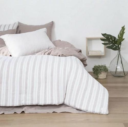 ropa de cama con etamapado de rayas