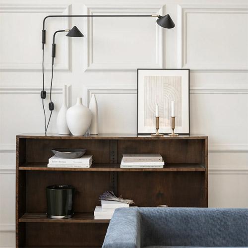 cómo iluminar el salón con apliques de pared