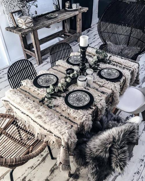 Una manta handira como mantel de mesa