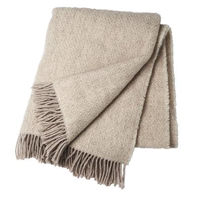 manta de lana de color beige con flecos