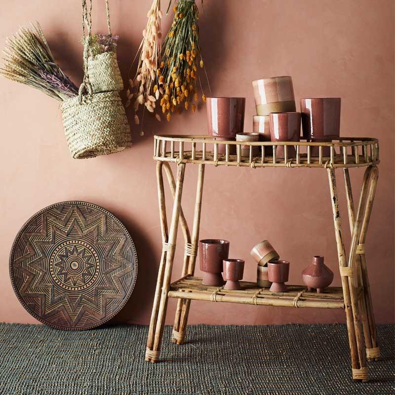 mesa auxiliar de estilo colonial