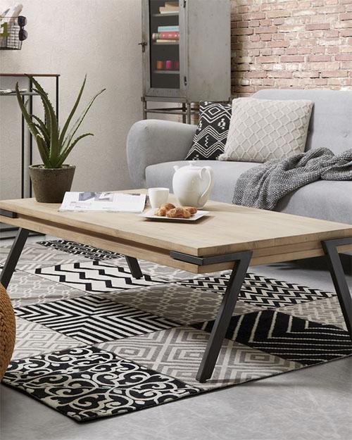 mesa de centro industrial de madera con patas de acero negro