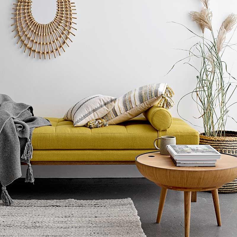 decoración del salón con muebles de diseño escandinavo