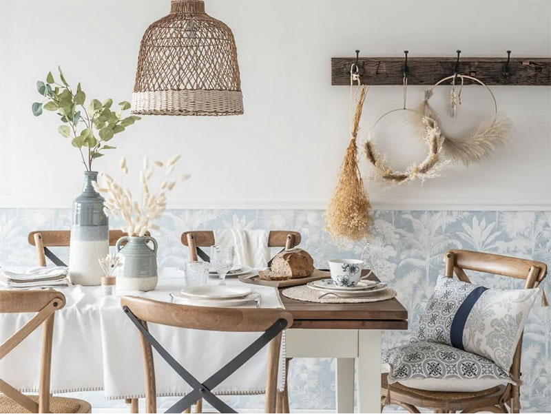 cómo decorar una mesa con manteles individuales