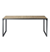 mesa de comedor de estilo industrial de madera y metal