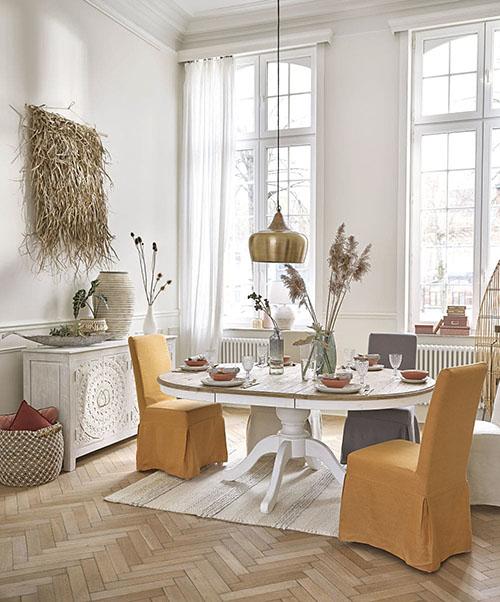 mesa extensible de madera para la decoración de un comedor