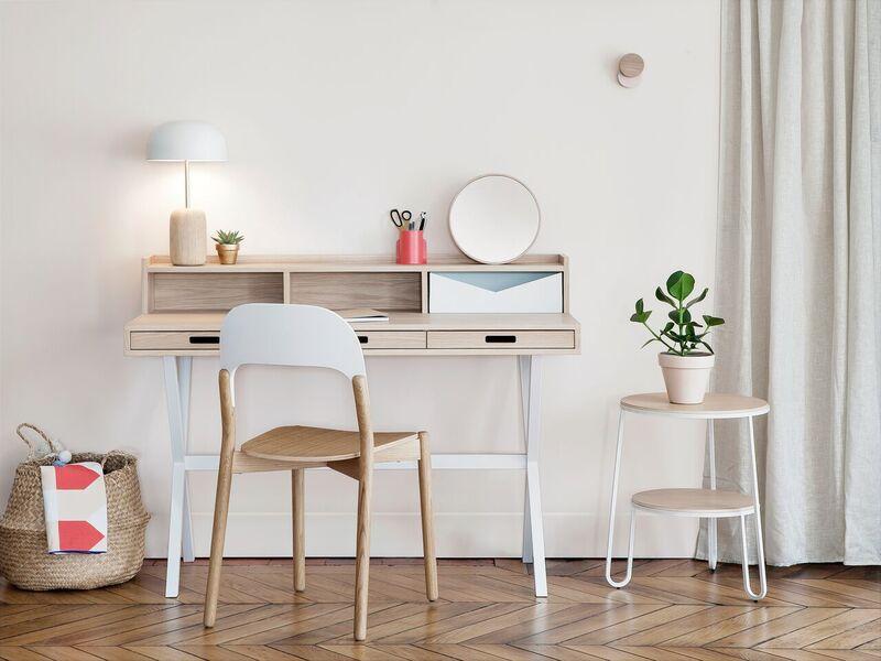 Escritorio de madera de diseño minimalista