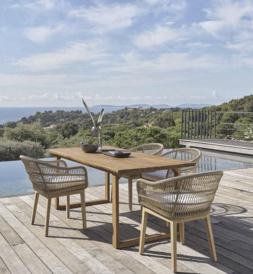 mesa rustica de madera para jardin