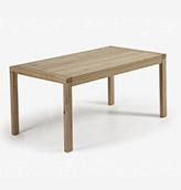mesa de comedor de madera clara