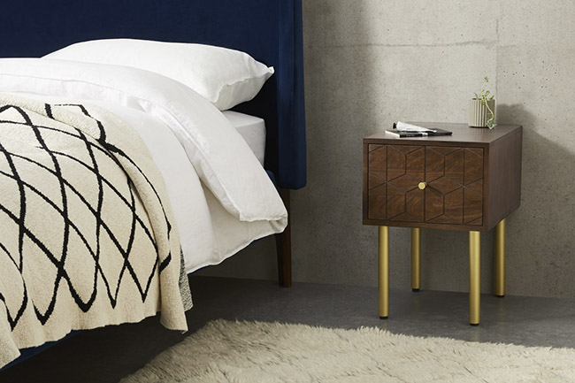 mesilla de madera de estilo y diseño vintage