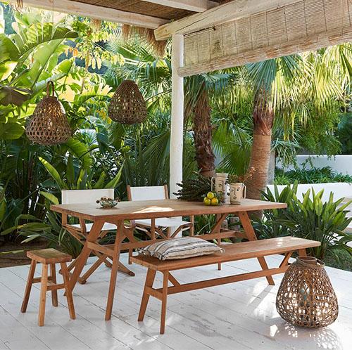 mesa de madera rustica para jardin