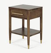 mesa de noche de madera oscura de estilo vintage