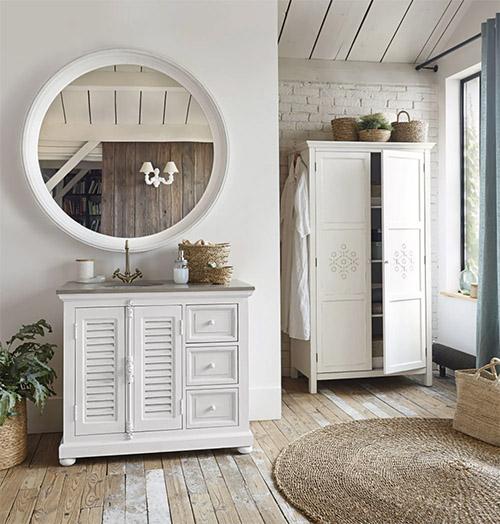 mueble rústico para el baño de color blanco