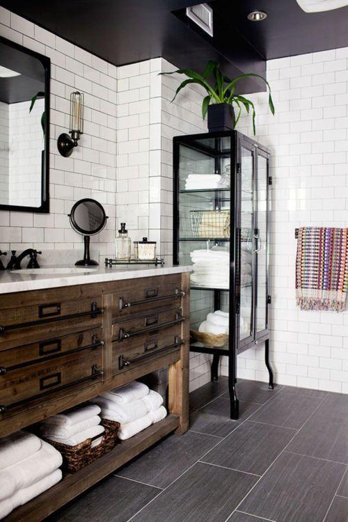 Muebles vintage en el baño