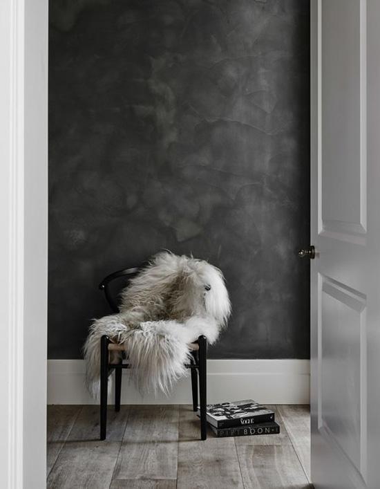 muebles nórdicos y cálidos textiles como la lana y el lino