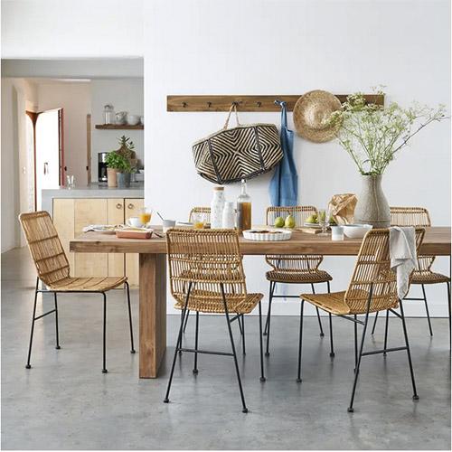 muebles de madera y ratán para la decoración del comedor de casa