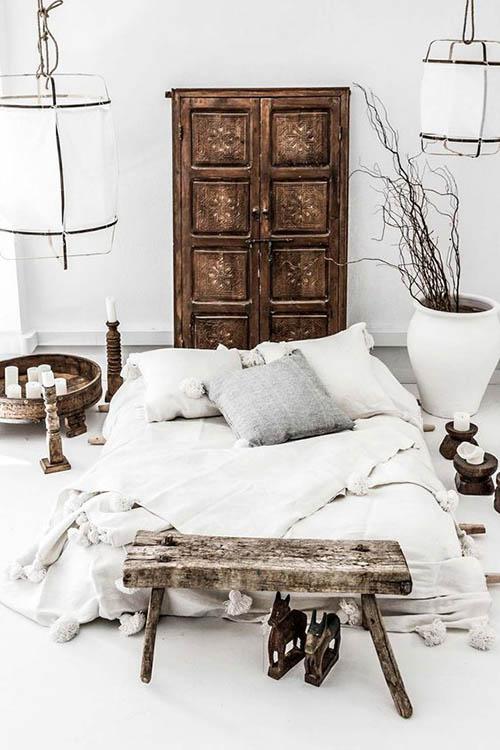 Muebles de madera en la decoración de dormitorios