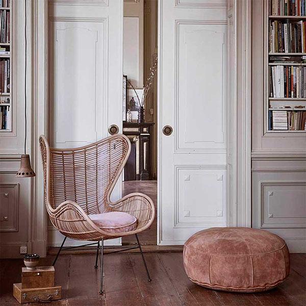 sillones de mimbre en la decoración de interiores